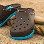 Crocs marrones